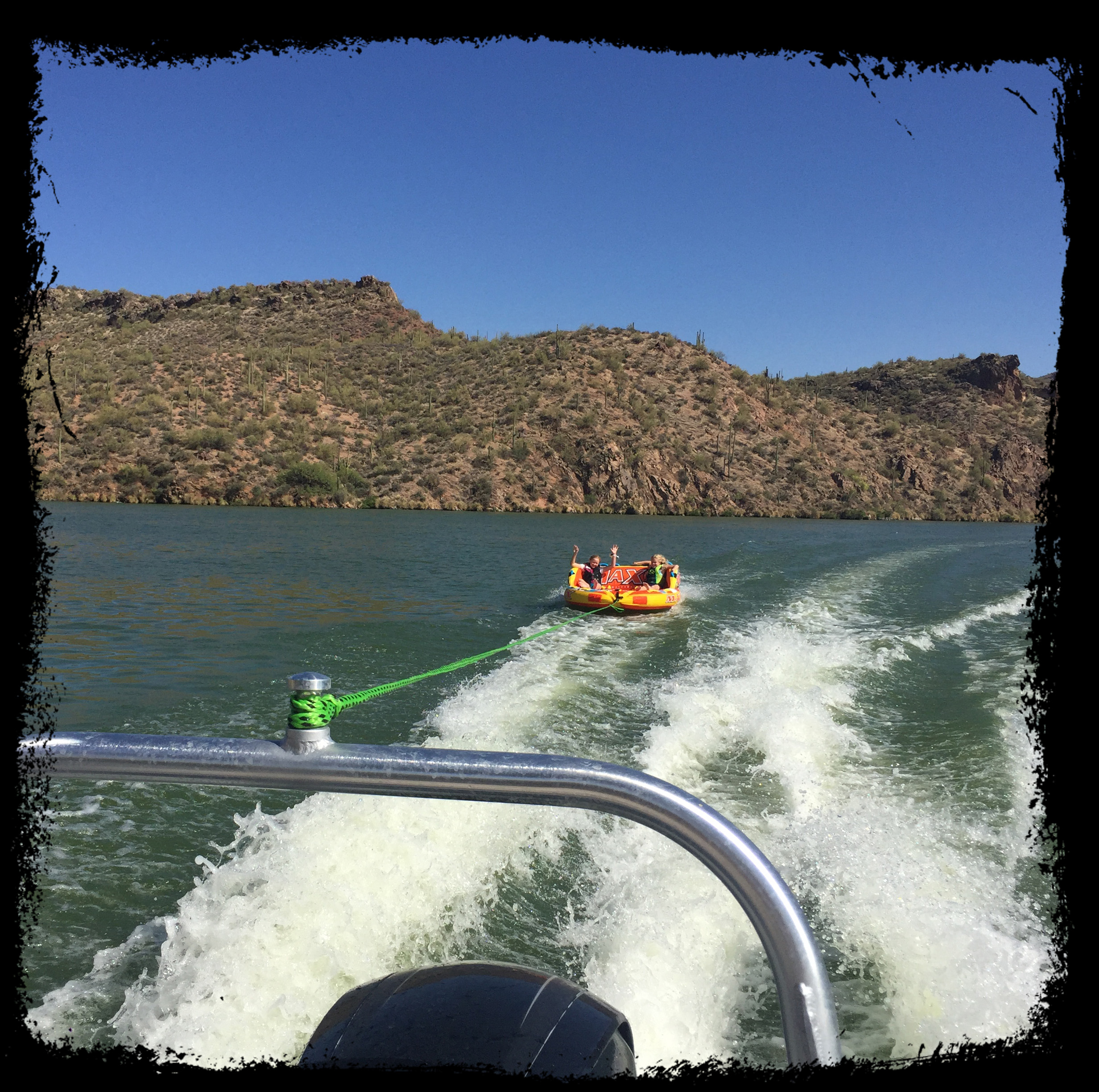 Pontoon boat rental phoenix